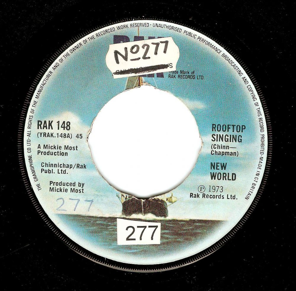 NEW WORLD Rooftop Singing Vinyl Record 7 Inch RAK 1973